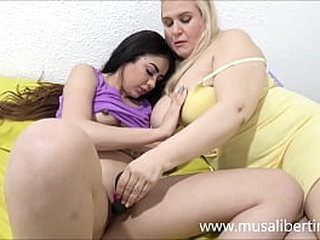 Busty MILF fucks with vibrator her young niece
