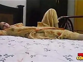 Indian Housewife Sonia Bhabhi Desperate To Have Sex After Periods